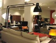 ovanligt stor skrivbordslampa